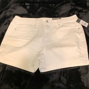 NWT Mossimo white cuffed shorts